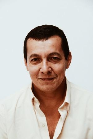 Gonzalo, Instalador