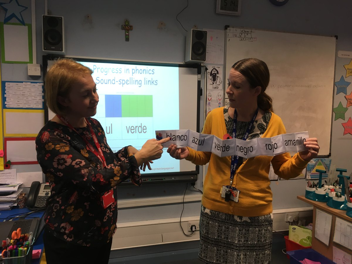 Susanne Wilson of Primary Languages Network delivering staff CPD at Canon Burrows CE
