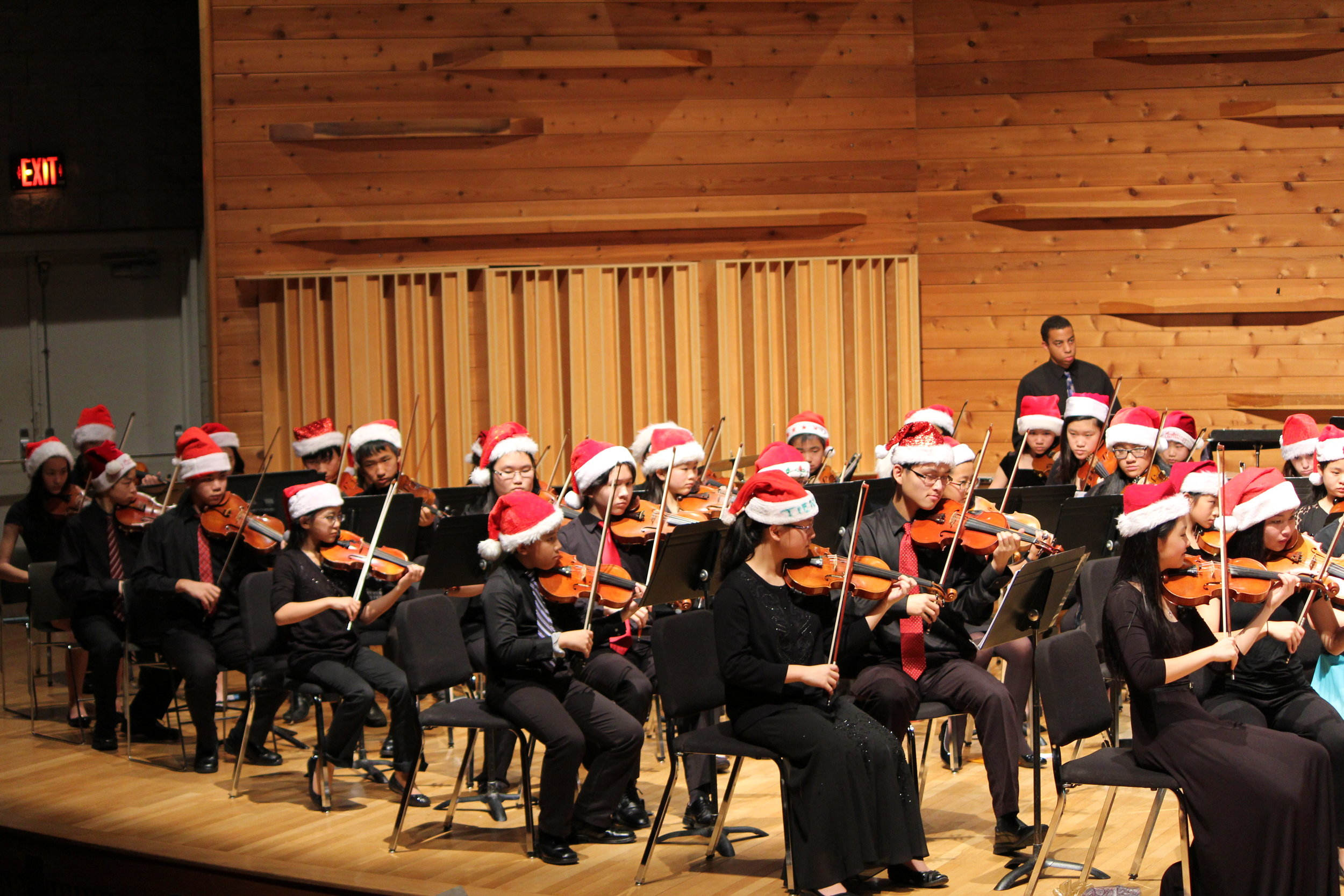Violinists in the Christmas spirit