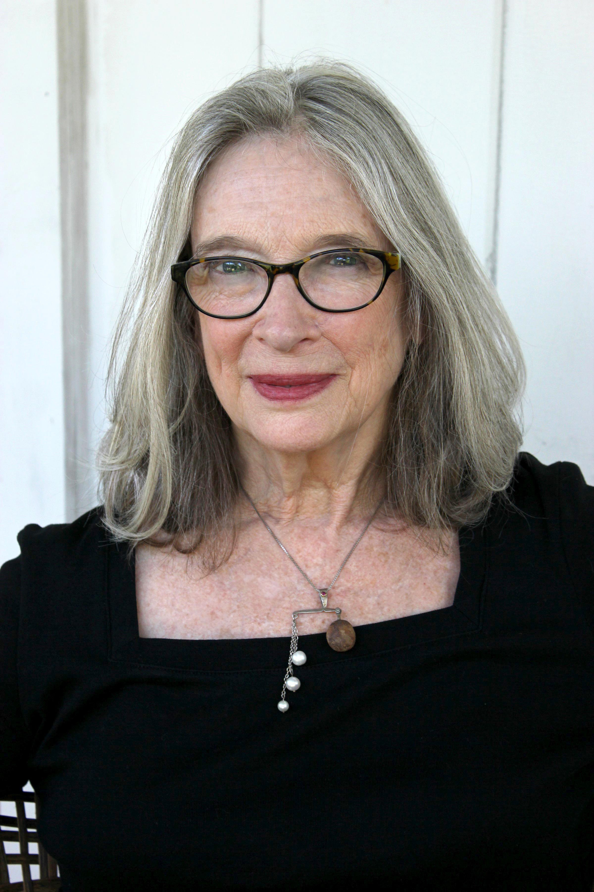 Deborah McLeod portrait 1 (2).jpg