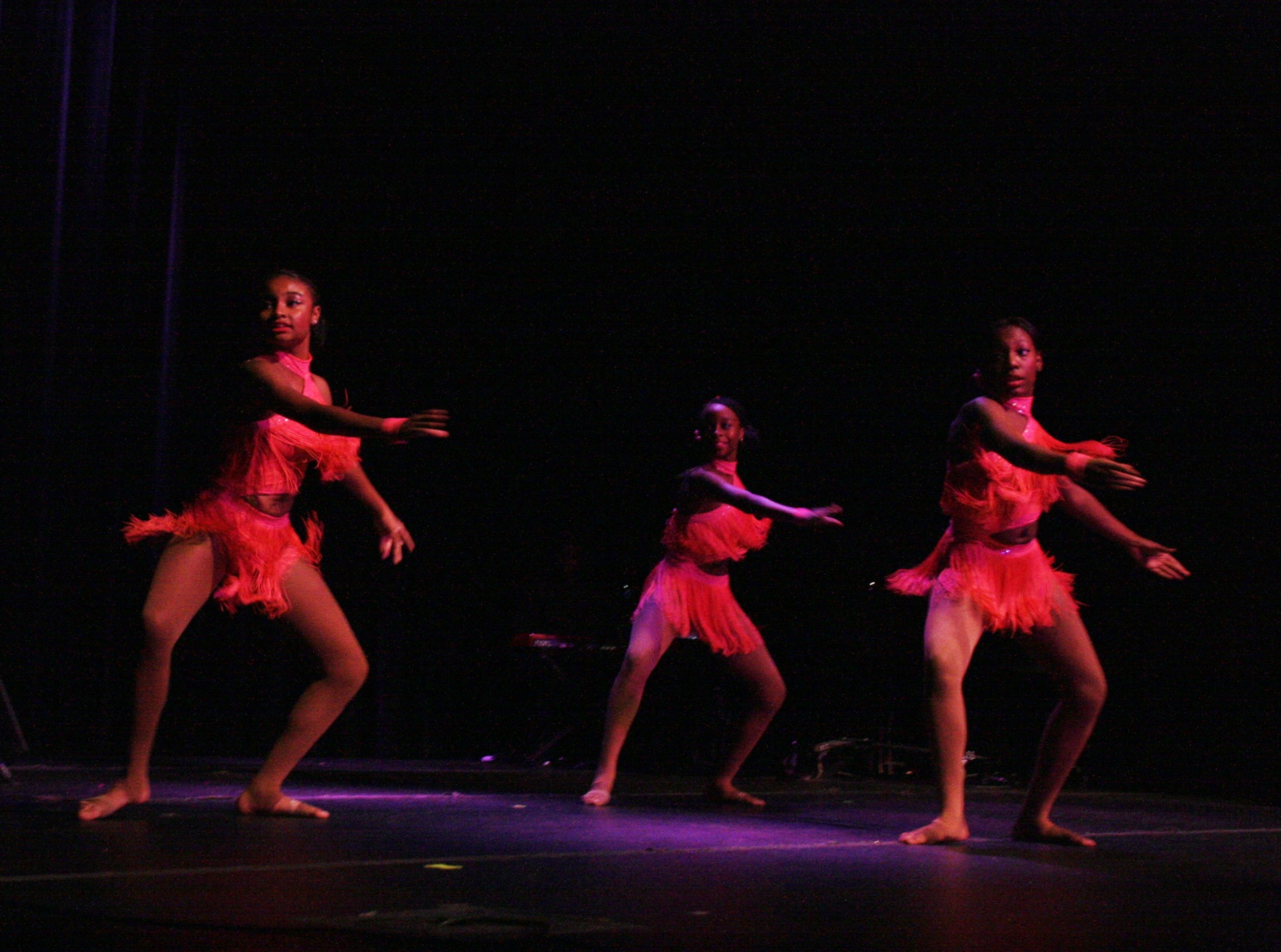 Franklin tribute dancers.jpg