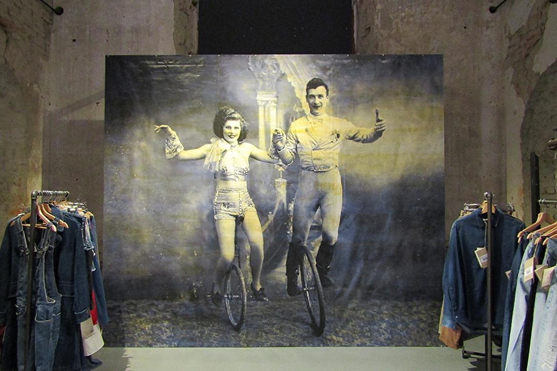 2W2M Le cirque du Denim