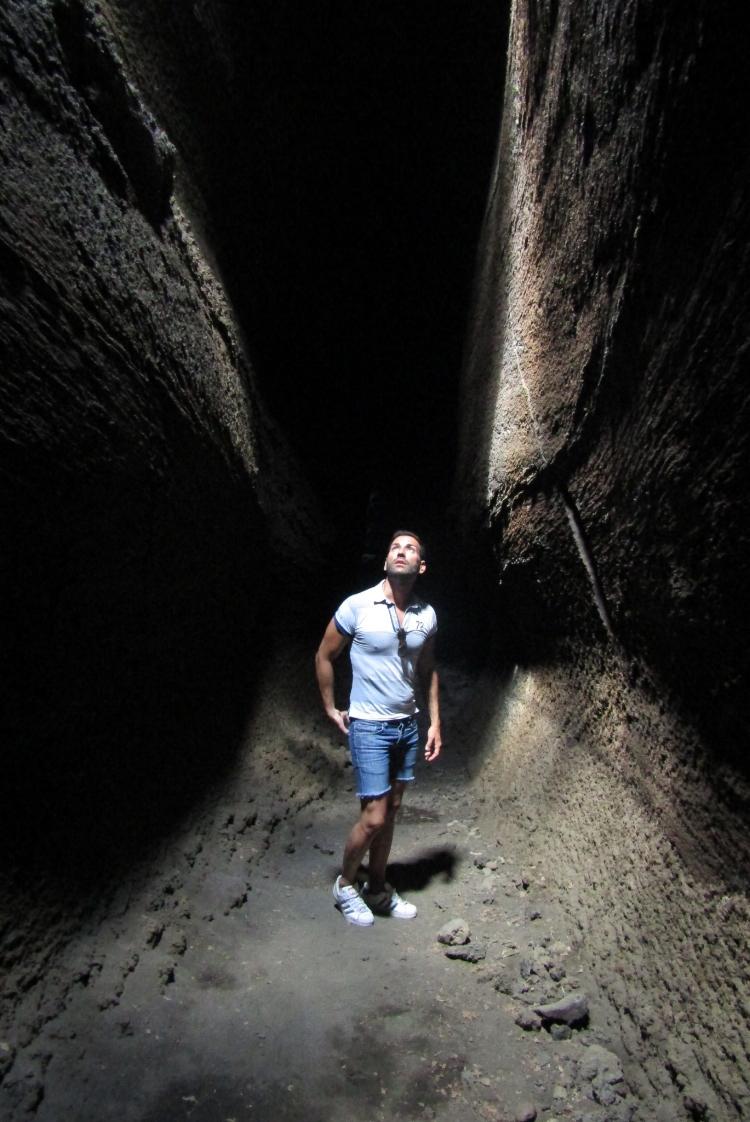 Etna grotta di Serracozzo / Stefano Zulian