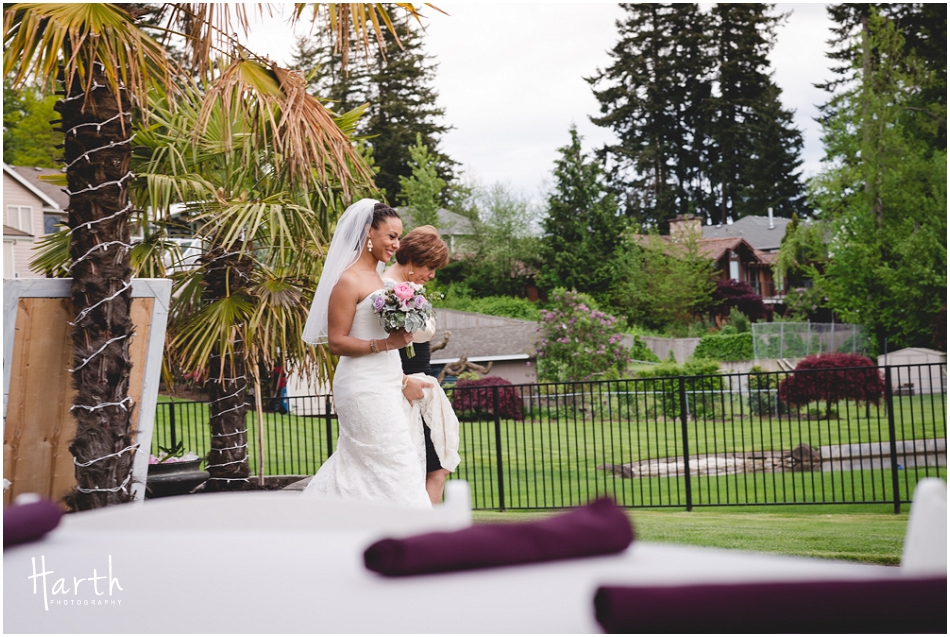 Bride and Mom - Harth Photography