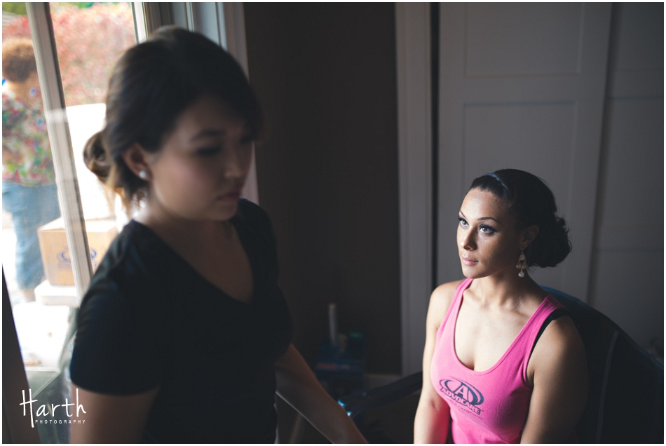 Bride getting ready - Harth Photography
