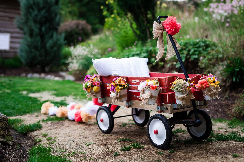 Flower Girls Wagon - Snohomish Wedding