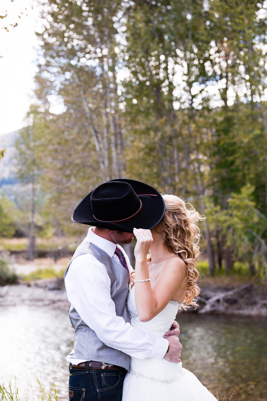 winthrop-wa-country-barn-wedding-350.jpg