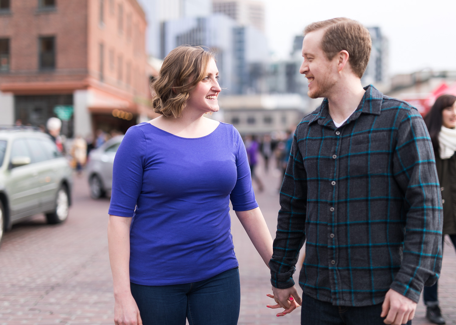 pike-place-seattle-engagement-001.jpg