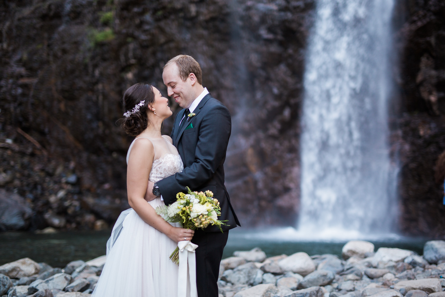 snoqualmie-pass-northwest-wedding-harth-photography-24.jpg