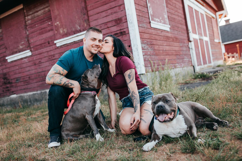 Engagement photos with pitbulls