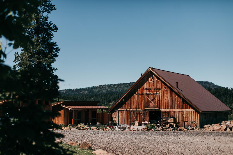 The Cattle Barn Wedding Venue In Cle Elum, Washington