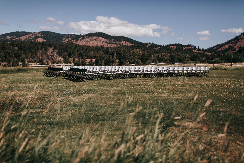 cle-elum-wedding-photographer-cattle-barn-0038.jpg