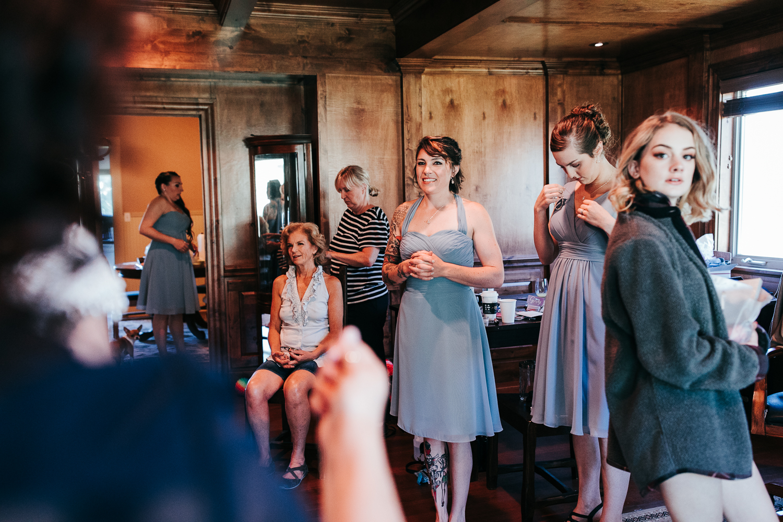 cle-elum-wedding-photographer-cattle-barn-0202.jpg
