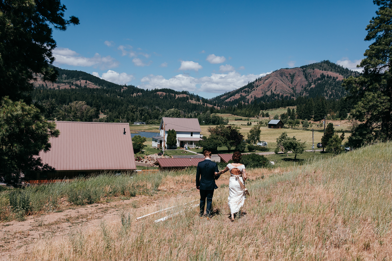 cle-elum-wedding-photographer-cattle-barn-0307.jpg