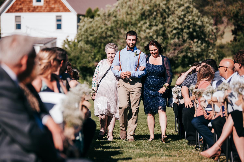 cle-elum-wedding-photographer-cattle-barn-0592.jpg