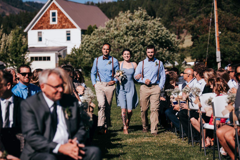 cle-elum-wedding-photographer-cattle-barn-0609.jpg