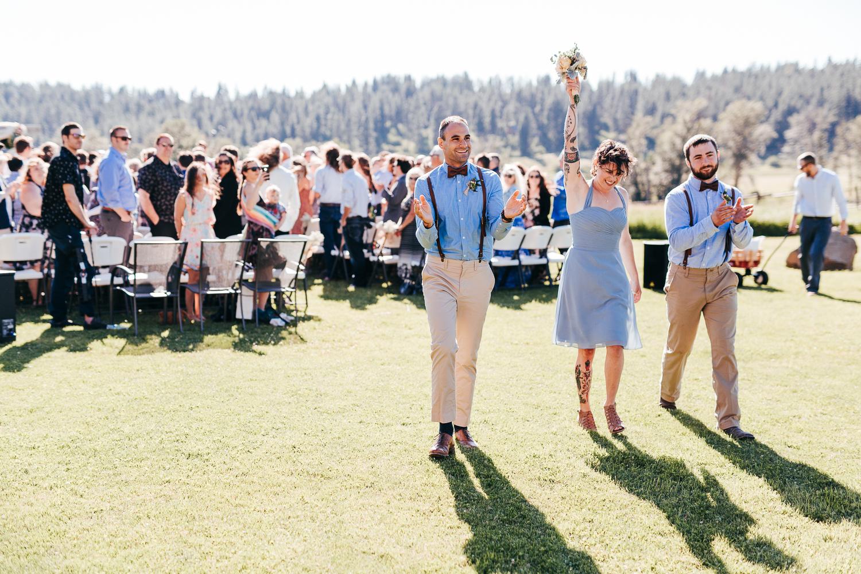 cle-elum-wedding-photographer-cattle-barn-0735.jpg
