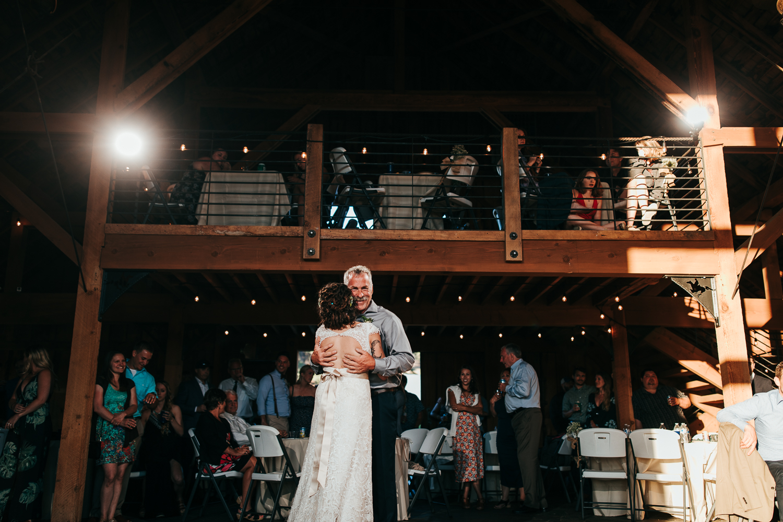 cle-elum-wedding-photographer-cattle-barn-0989.jpg