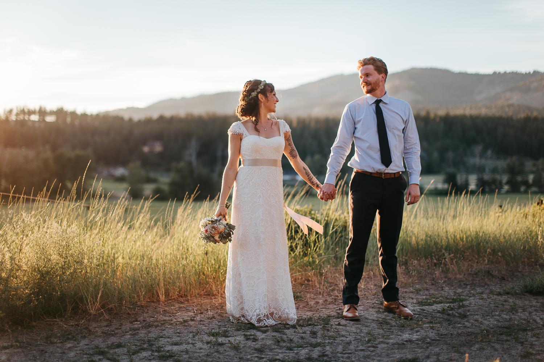 cle-elum-wedding-photographer-cattle-barn-1046.jpg