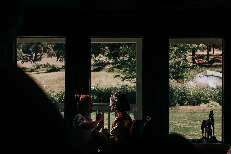 cle-elum-wedding-photographer-cattle-barn-1230.jpg