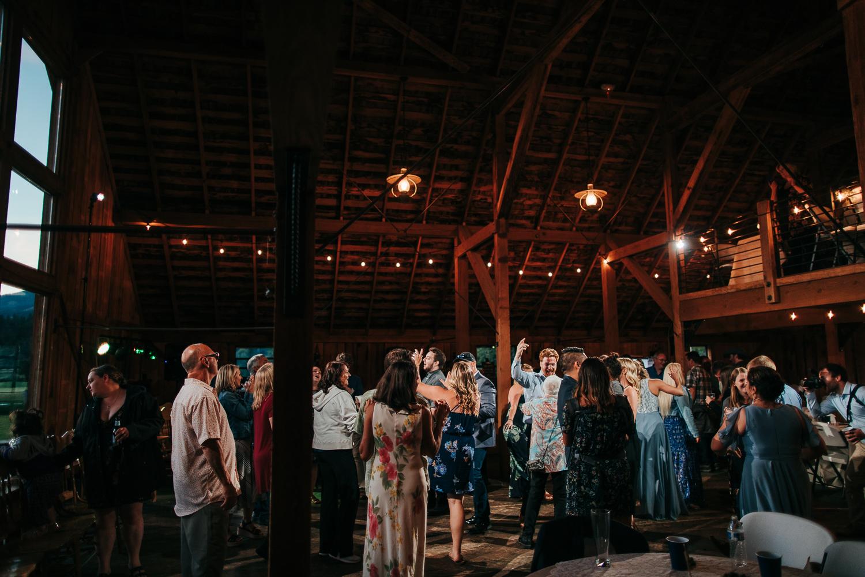 cle-elum-wedding-photographer-cattle-barn-1112.jpg