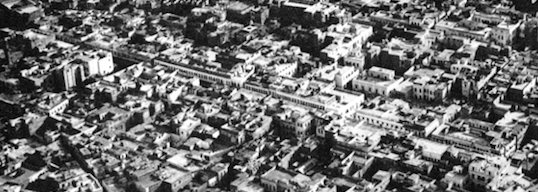 Arcades running along al-Azhar Street.This photo is also from Spelterini's 1904 aerials.