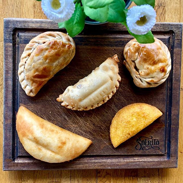 HAPPY NATIONAL EMPANADA DAY! 🥐 . Join us to celebrate these delicious dough pockets! Keep it simple with one of our classics like an Argentinian Empanada or enjoy our Nutella Empanada for dessert. . Either way, you're enjoying National Empanada Day to its fullest! ☺️ . #Celebrate #NationalEmpanadaDay #LOVESOFRITO