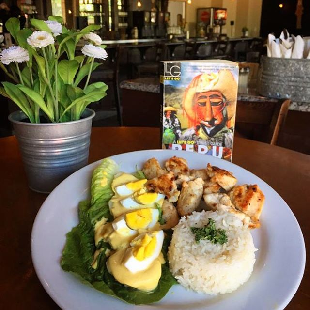 Papa a la Huancaina with Chicken & Rice 🔥🔝 . . . #PeruvianFood #Huancaina #LOVESOFRITO . . . . . #deliciousfood #disneyworld #eatlocal #eatingfortheinsta #foodie #foodstagram #fresh #homemadefood #hungry #instagood #instafoodie #latinfood #mmm #nomnomnom #orlando #tasty #yummyfood