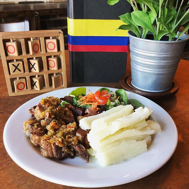 Chicharrón topped with our delicious Colombian Aji 👌🏻 . . . #Chicharron #ColombianFood #LOVESOFRITO . . . . #deliciousfood #disneyworld #eatlocal #eatingfortheinsta #foodie #foodstagram #fresh #homemadefood #hungry #instagood #instafoodie #latinfood #mmm #nomnomnom #orlando #tasty #yummyfood