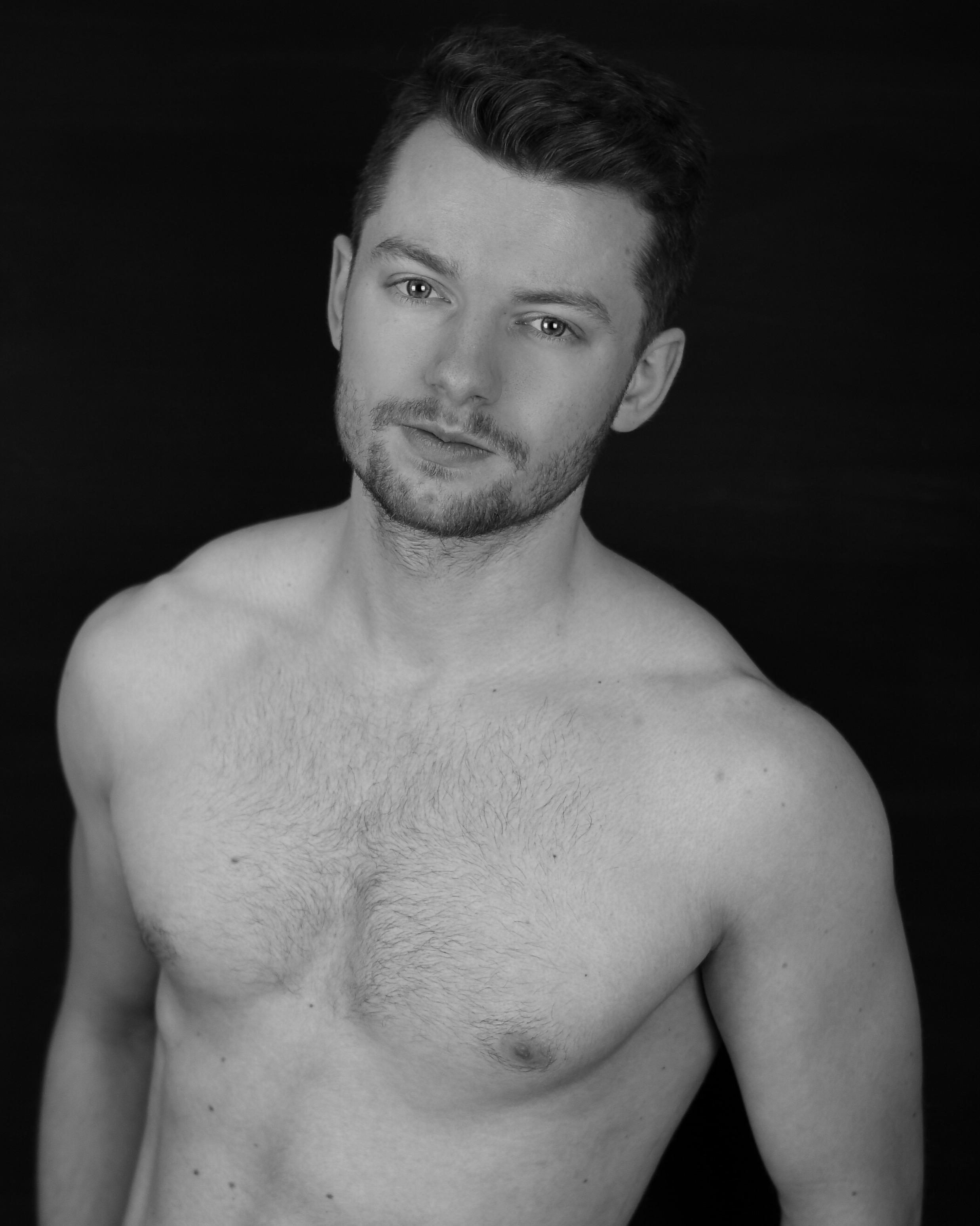 Alex_Heimer_shirtless.JPG