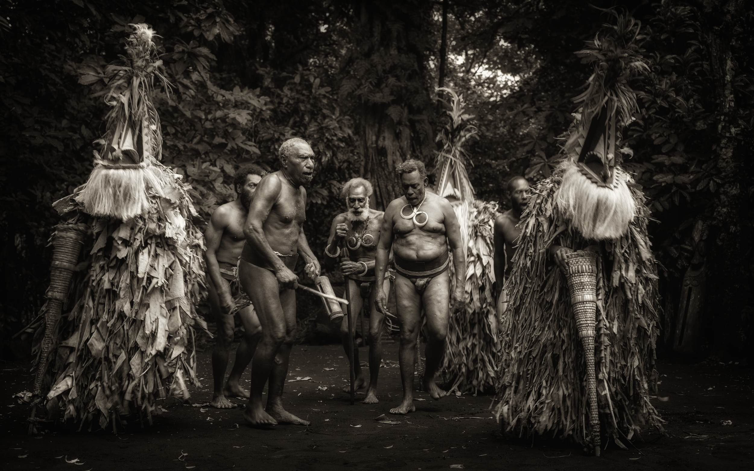 rom dance: still living tradition