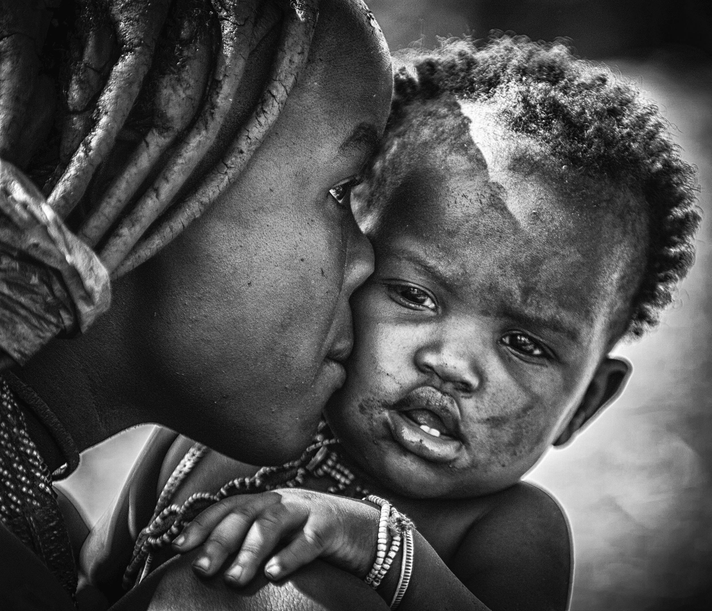 kiss from beautiful himba mom
