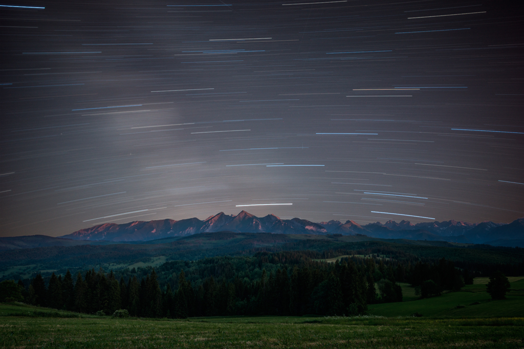 STAR TRAILS OVER HIGH TATRAS, LAPSZANKA