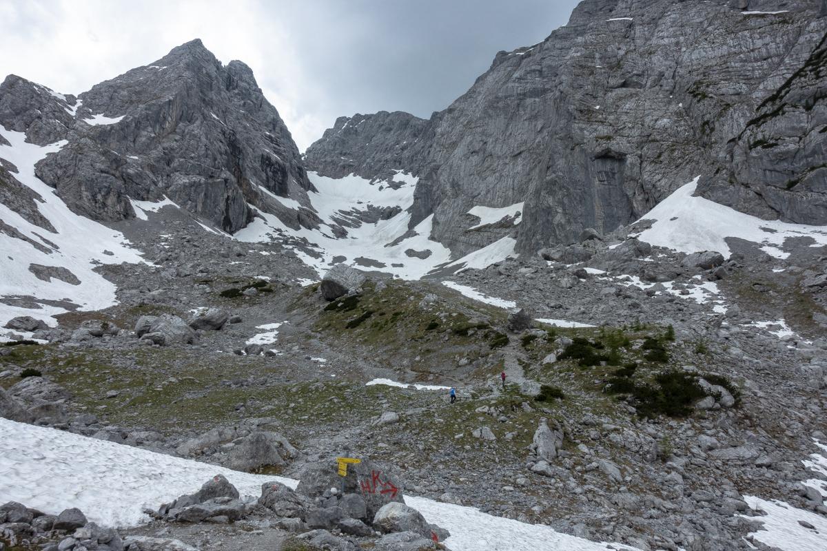 Der Aufstieg zum Blaueisgletscher musste schnell gehen, das Gewitter war schon im Anflug und brachte reichlich Hagel.
