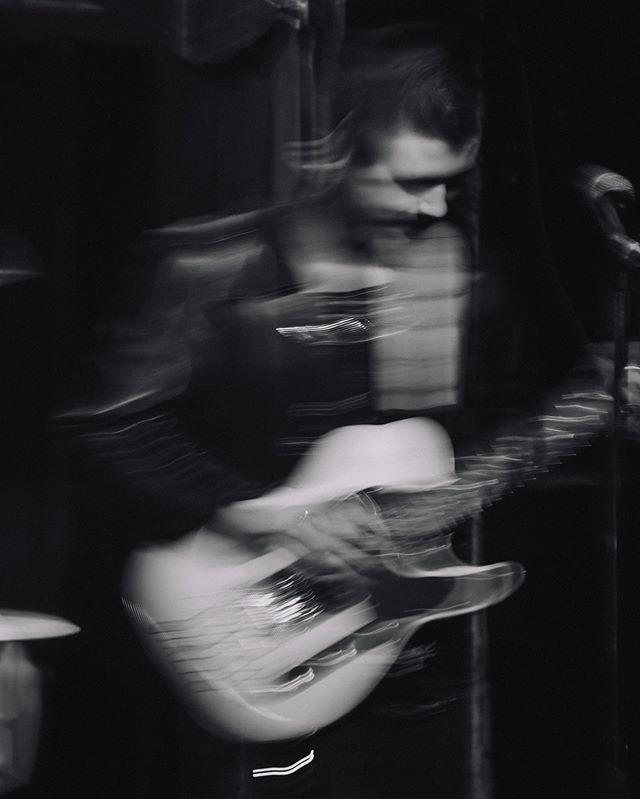 Hella good show last night at the Outland — #pearbush #konradgiallo #carleysunn #indiemusic #indierock #garagerock #springfieldcreatives #springfieldtalent #springfieldmusic #selfproduced #indie #divebar #filmic #vsco #grunge #grungekid #indiekid #punk #springfieldphotographer #springfieldphotography