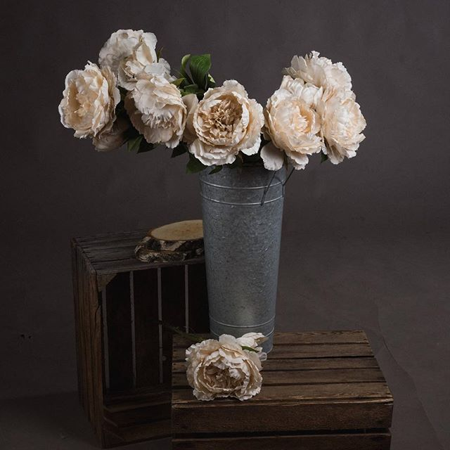 Beautiful faux peonies now listed. I'm slowly working my way to uploading everything but I wanted to get these on super quick as soooo beautiful.  #peony #fauxpeony #fauxflowers #artificialflowers #artificialflower #interioraccessories #flowerlove #makeyourhouseahome❤️