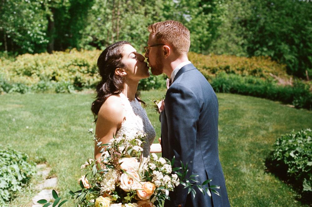 Stouts Island Lodge Wedding -41.jpg