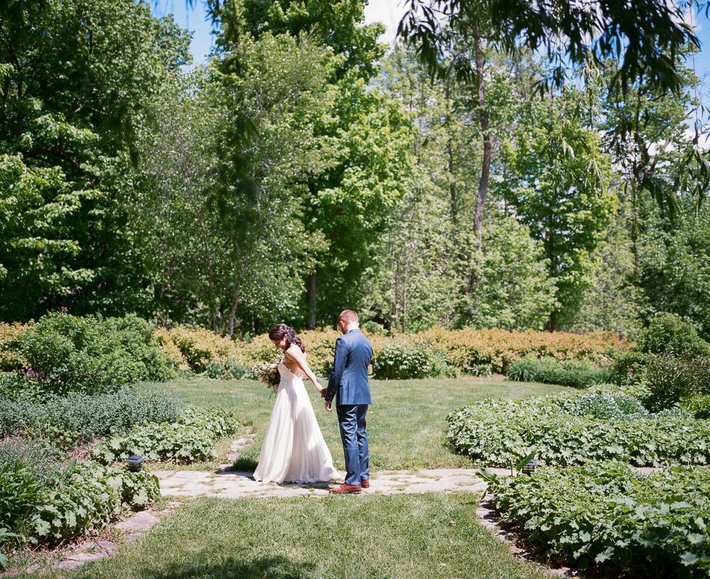 Stouts Island Lodge Wedding -40.jpg