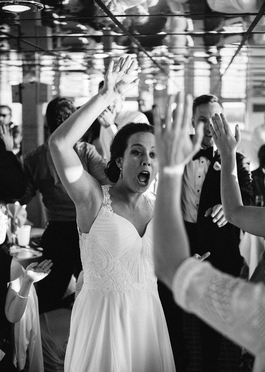 Minneapolis Wedding Photographer-52.jpg