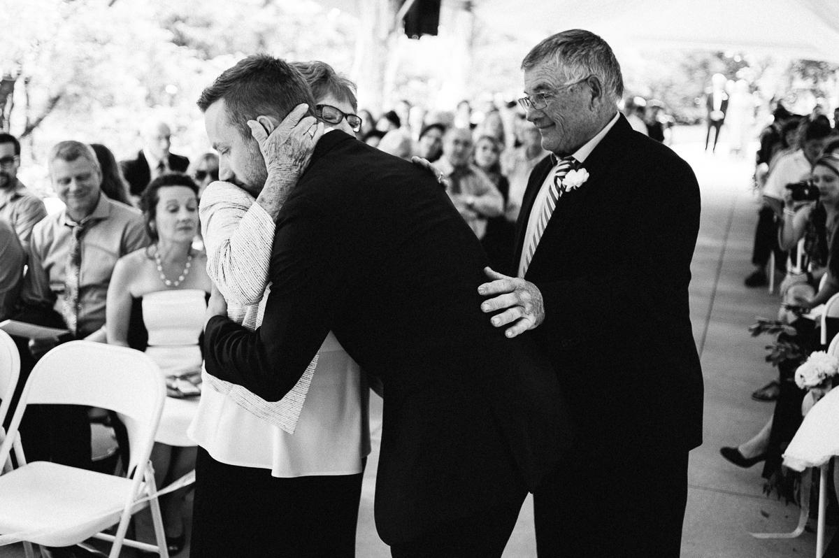 Minneapolis Wedding Photographer-109.jpg