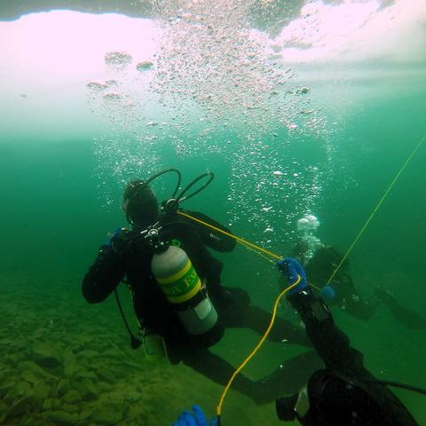 S_Lane_Ice_Diving_Course_Lake_McGregor.JPG