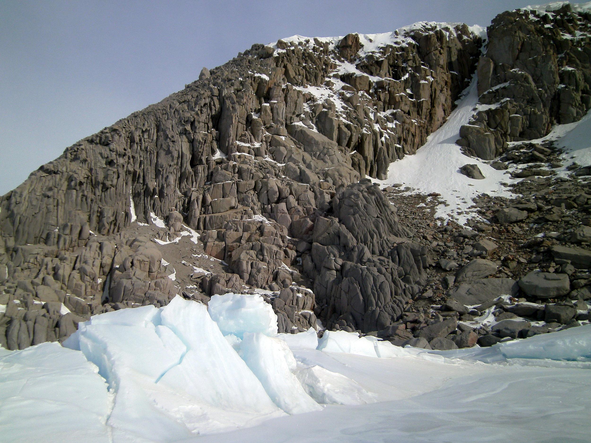 Granite_Harbor_Pressure_Ridge_Rocks.JPG