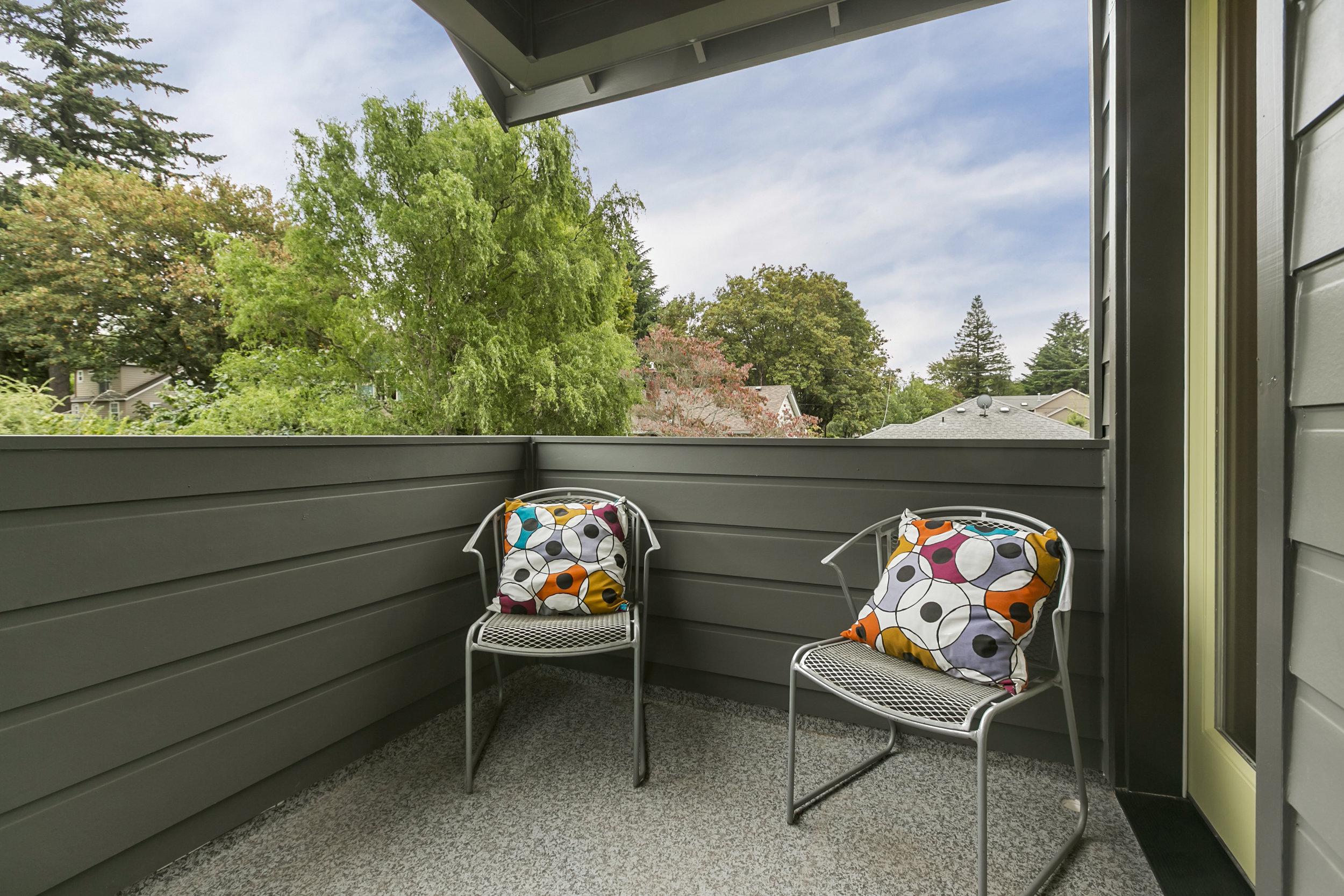 Exterior, Balcony [Photo by Spin VT+P]