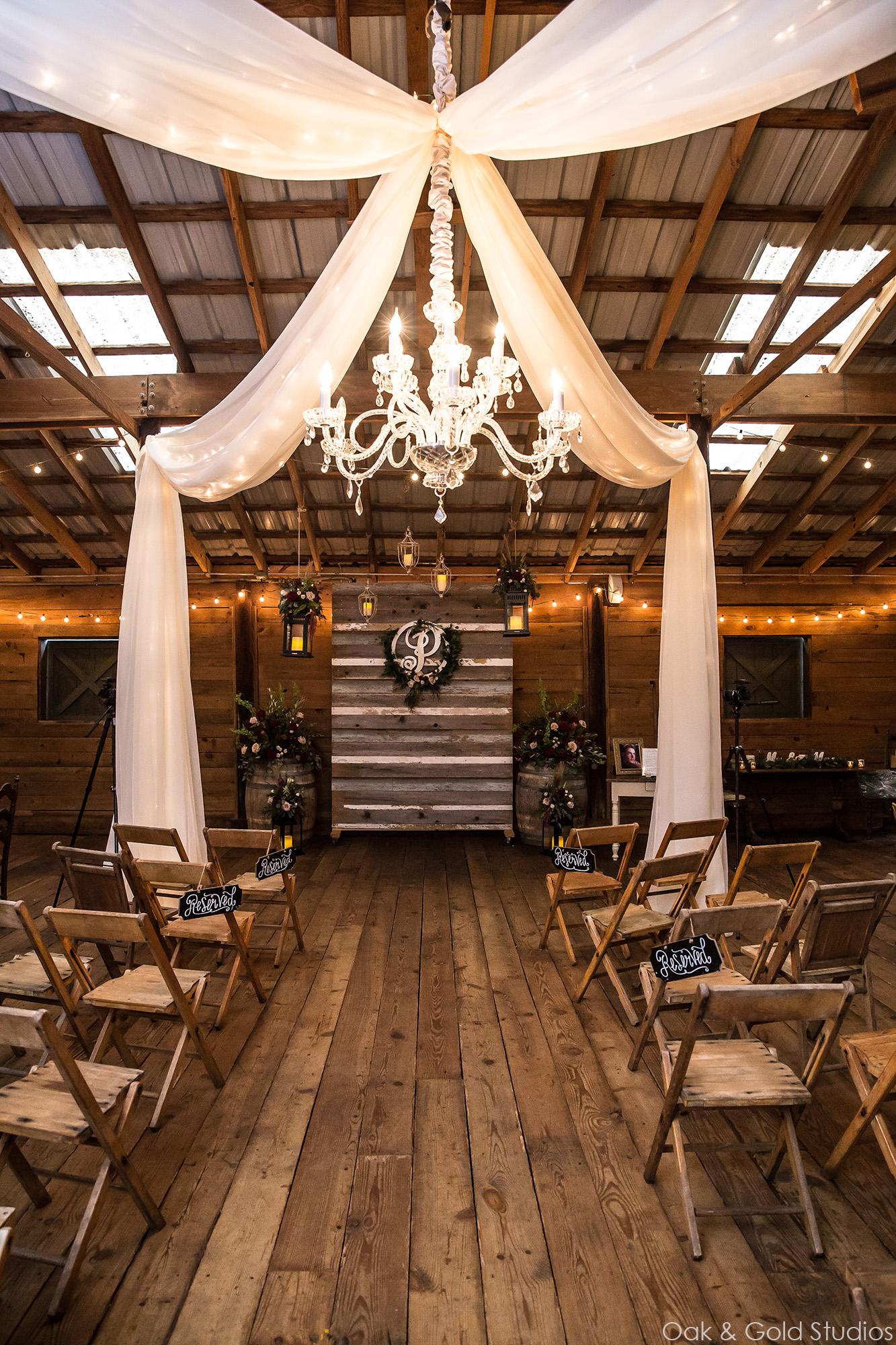 vinewood-plantation-ceremony-indoors.jpg