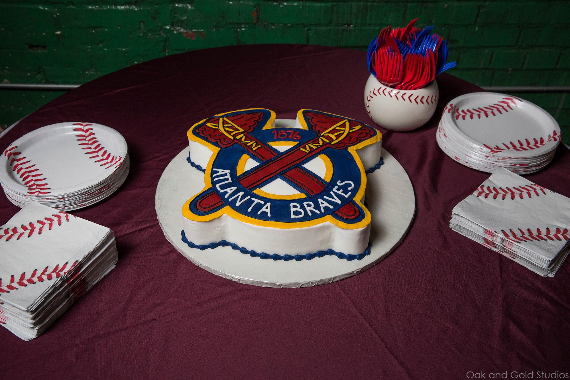 atlanta braves grooms cake.jpg