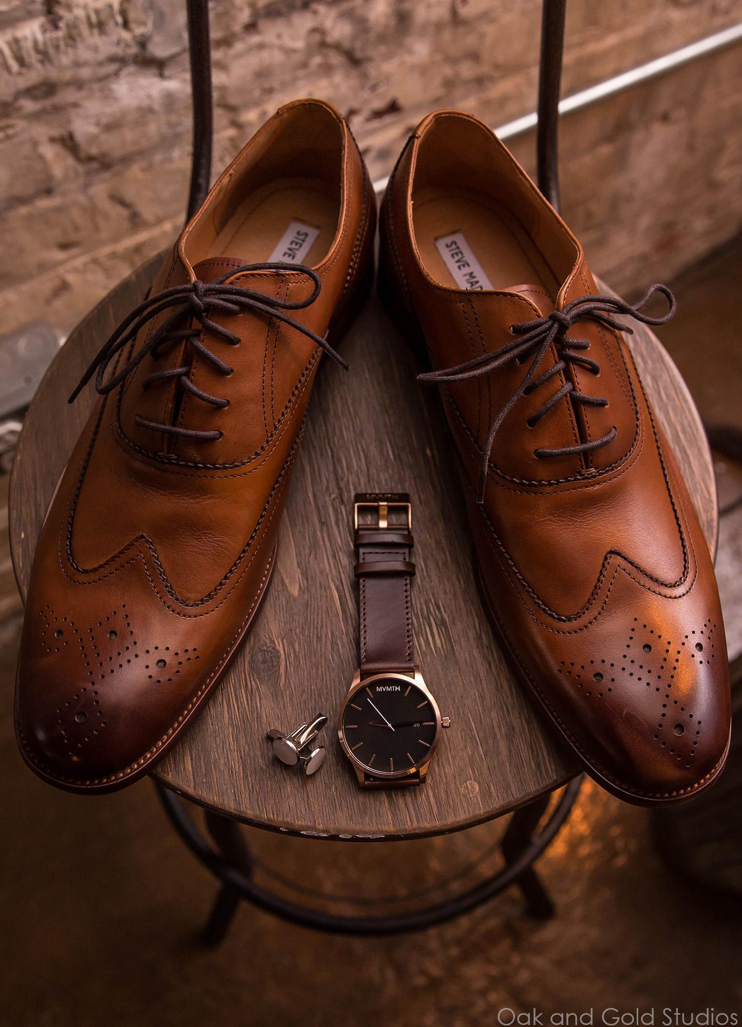 brown grooms shoes.jpg