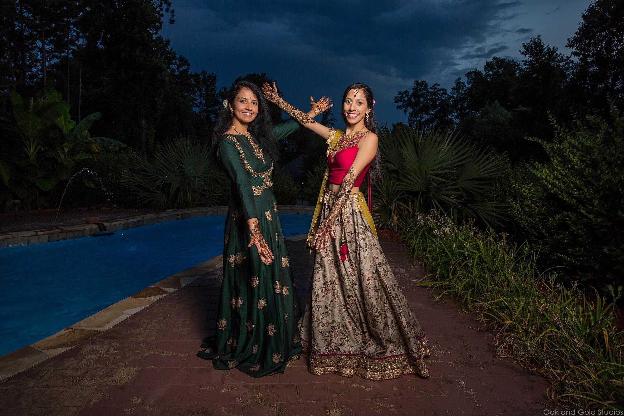 indian_sisters_Mehndi
