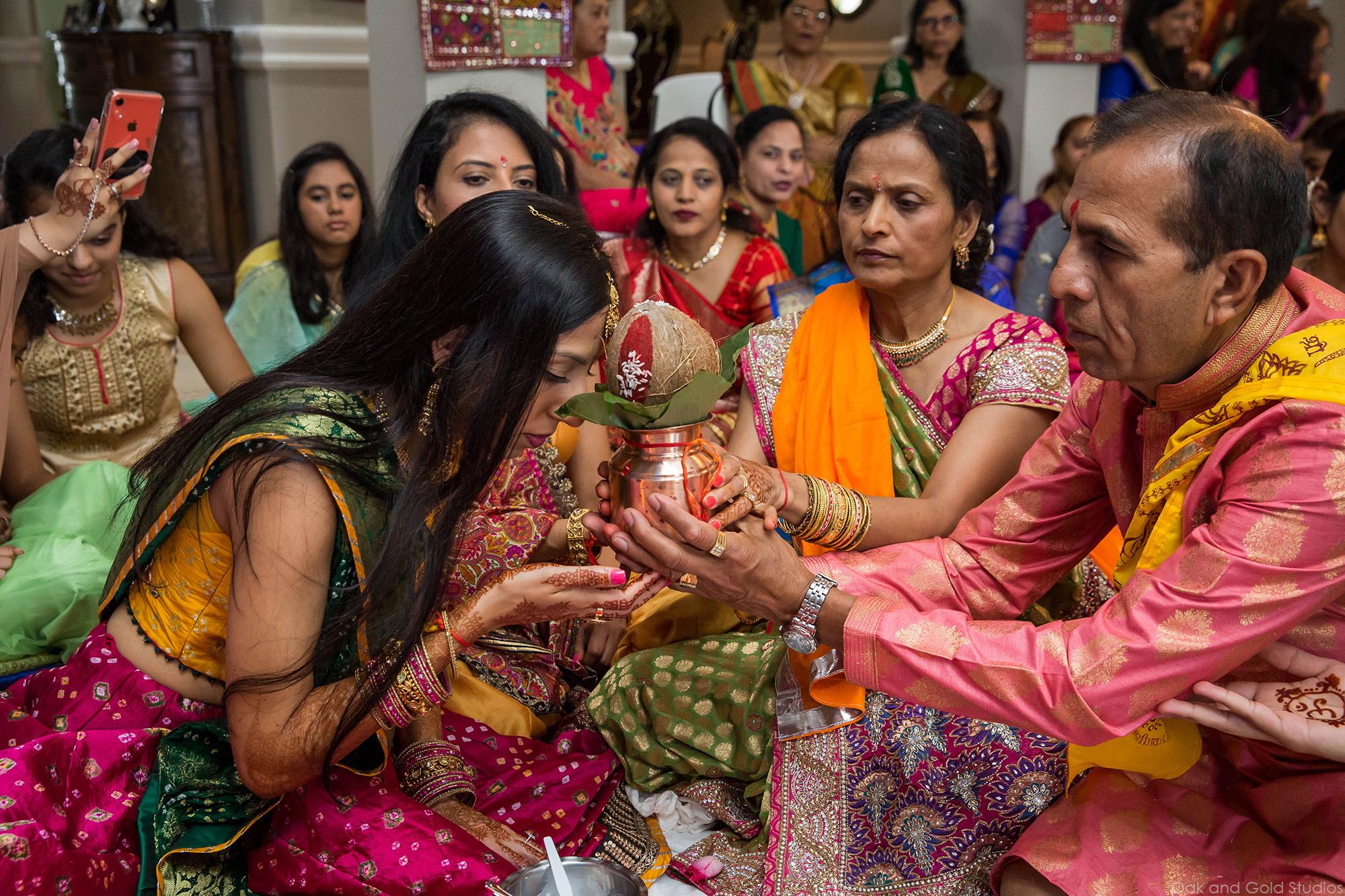 indian_bride_coconut