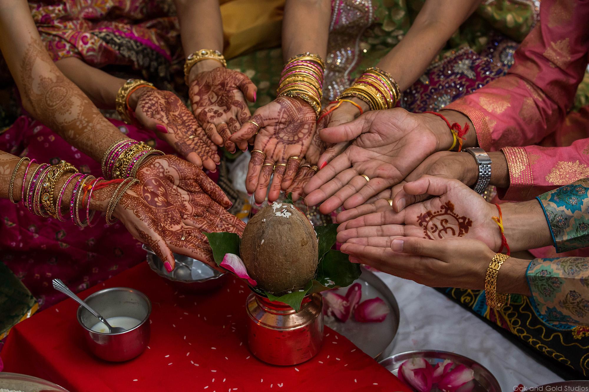 indian_hands_coconut