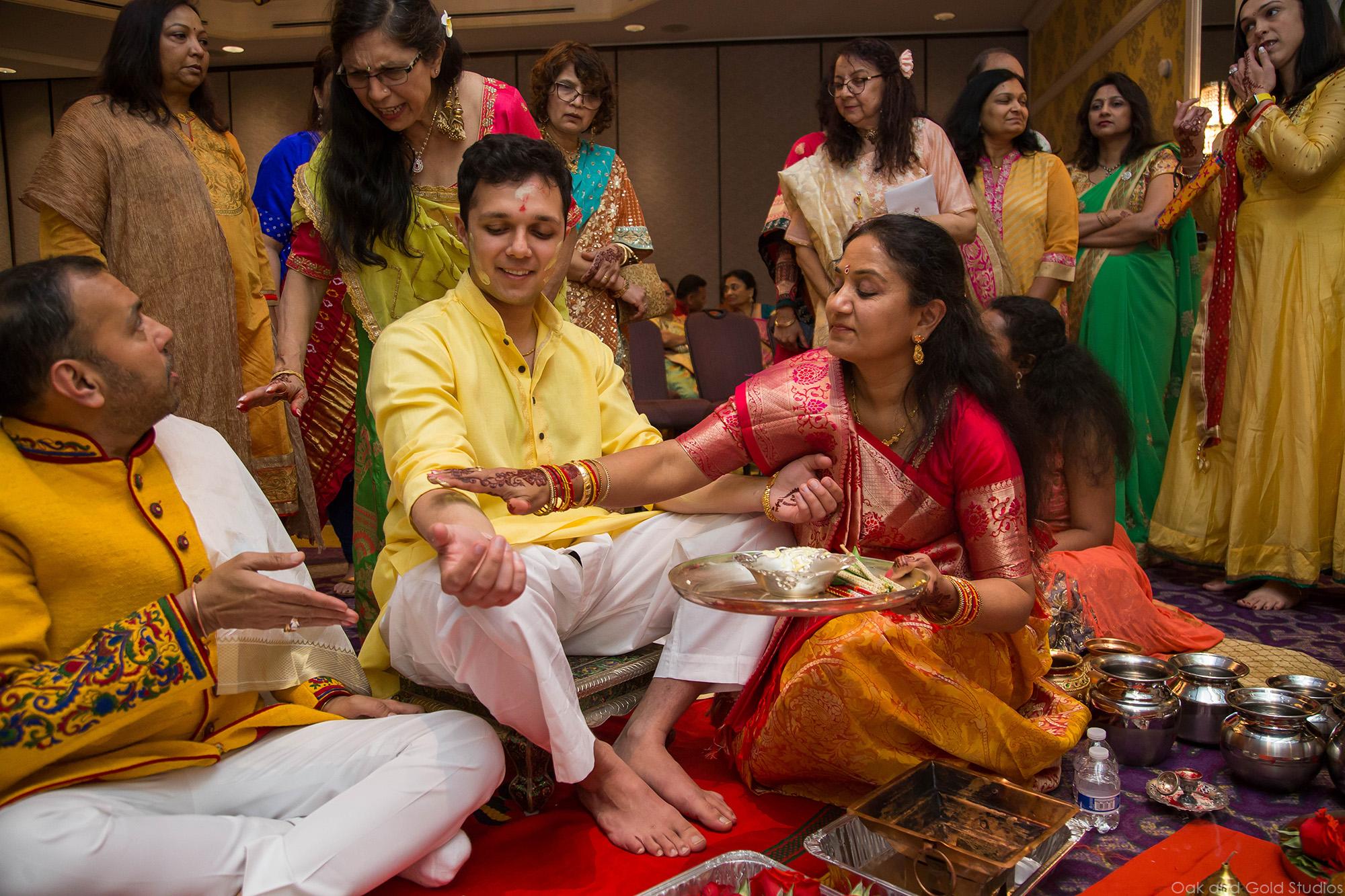 hindu_groom_charlotte